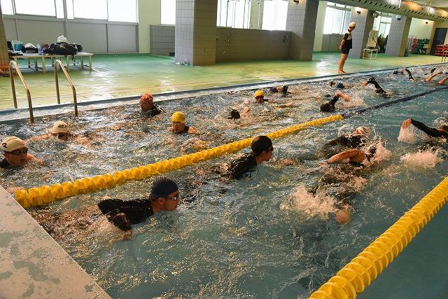 10分間泳